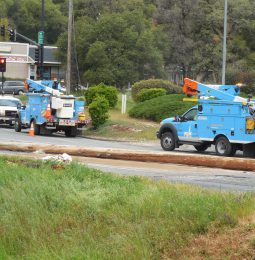 PG&E Cuts Power To 6800 In Wildfire Area